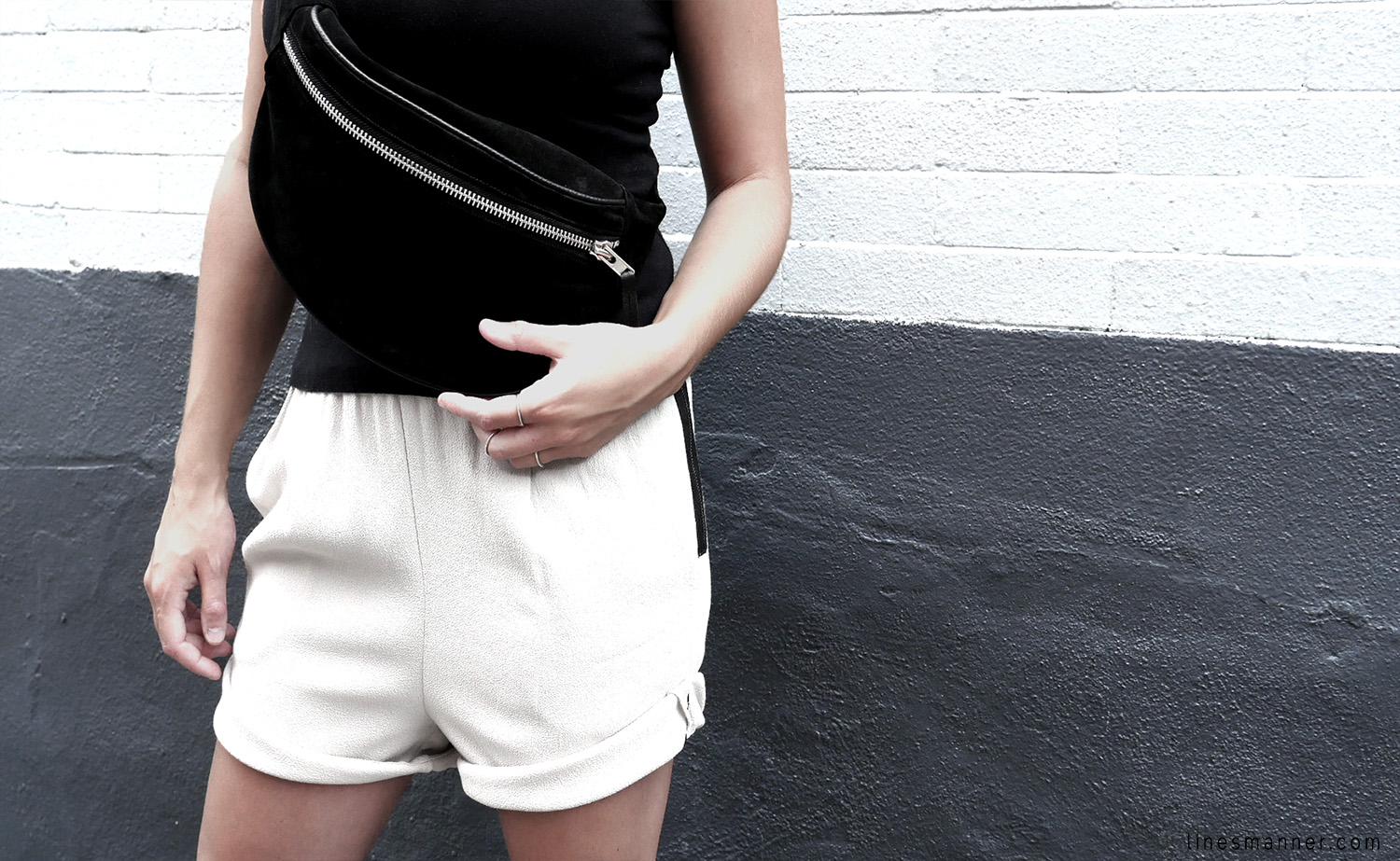Lines-Manner-Minimalism-Comfy-Bumbag-Aesthetic-Effortless_Chic-Structured-Simplicity-Clean-Relaxed-Trend-7