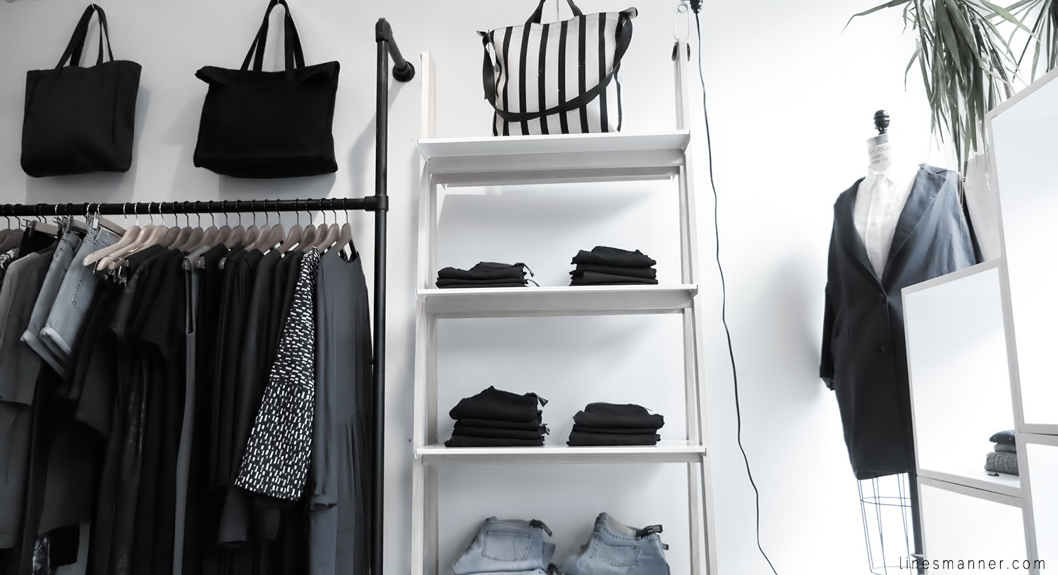 Lines-Manner-Concept-Boutique-Store-Minimal-Trend-Essentials-Basics-Staples-Ibiki-Montreal-Canada-Art-Contemporary-Artistic-Details-Monochrome-Black_and_White-8