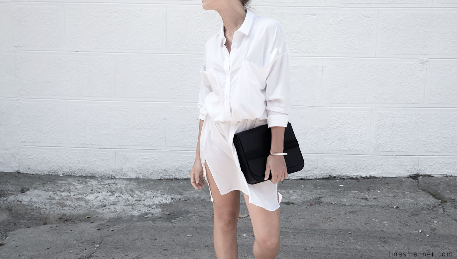 Lines-Manner-Whiteout-Fashion-Minimal-Clean-Fresh-Brigthly-All_White-Monochrome-Immaculate-Trend-Style-Sleek-Slouchy-Details-White_Shirt-Transeasonal-Dressing-Outfit-4