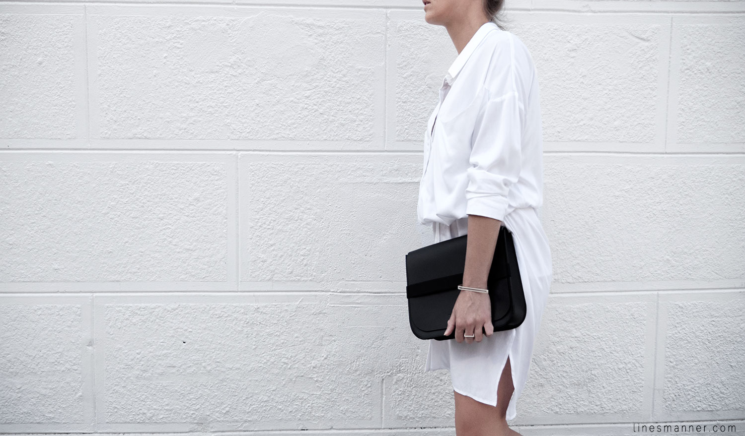 Lines-Manner-Whiteout-Fashion-Minimal-Clean-Fresh-Brigthly-All_White-Monochrome-Immaculate-Trend-Style-Sleek-Slouchy-Details-White_Shirt-Transeasonal-Dressing-Outfit-15