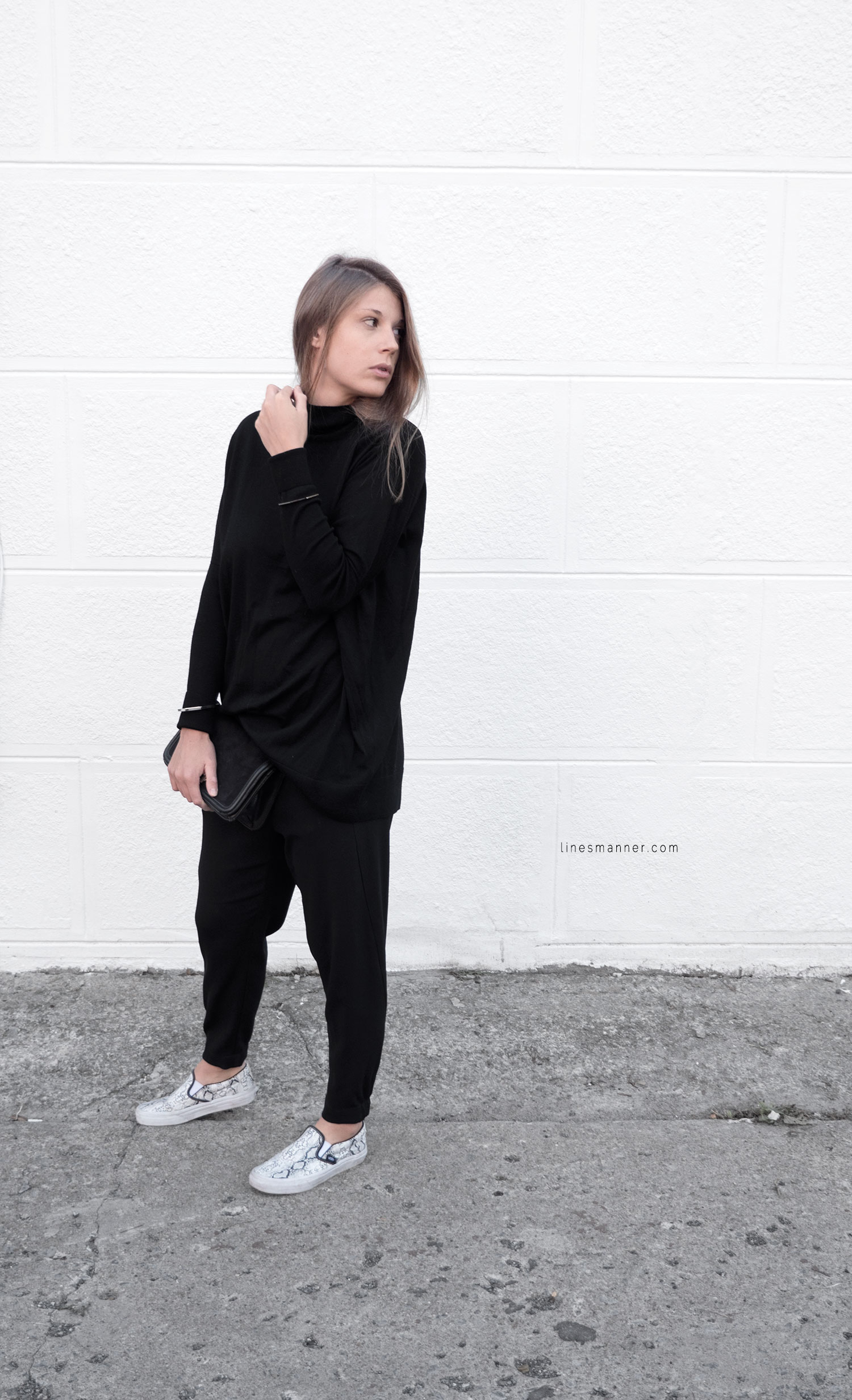 Lines-Manner-Minimalism-Details-Black-All_black_everything-Simplicity-Timeless-Modern-Monochrome-Essential-Basics-Staples_pieces-Outfit-Design-Effortless-8