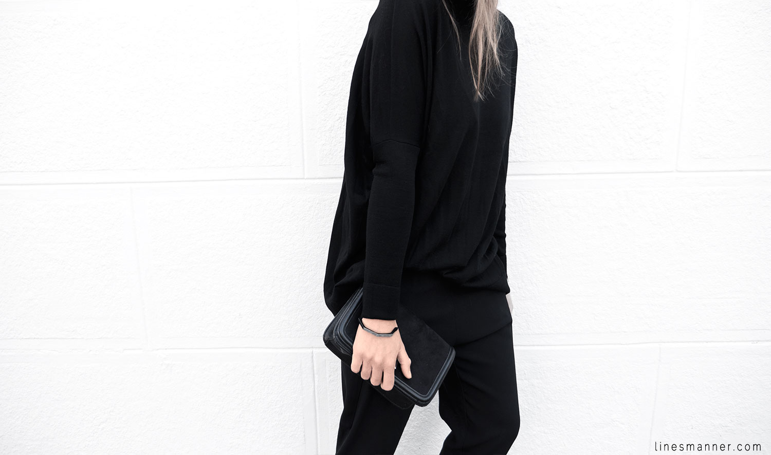 Lines-Manner-Minimalism-Details-Black-All_black_everything-Simplicity-Timeless-Modern-Monochrome-Essential-Basics-Staples_pieces-Outfit-Design-Effortless-10