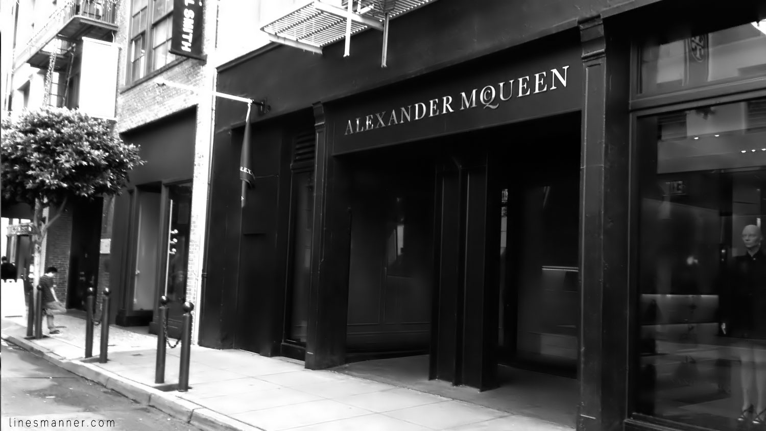 Lines-Manner-Store-Monochrome-Street-San_Francisco-SF-California-World_Places-Photographies-Architecture-Town-City-Alexander_McQueen-Trip-Travelling-Travel-Inpiration-Composition-Gallery-9