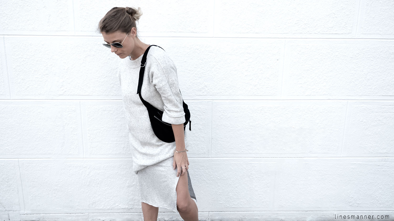 Lines-Manner-Fashion-Collaboration-The_Demeler-Monochrome-Grey_on_Grey-Fresh-Brightly-Outfit-Simplicity-Details-Trend-Minimalist-Flowy-Layering-Sleeves-Sweater_Dress-16