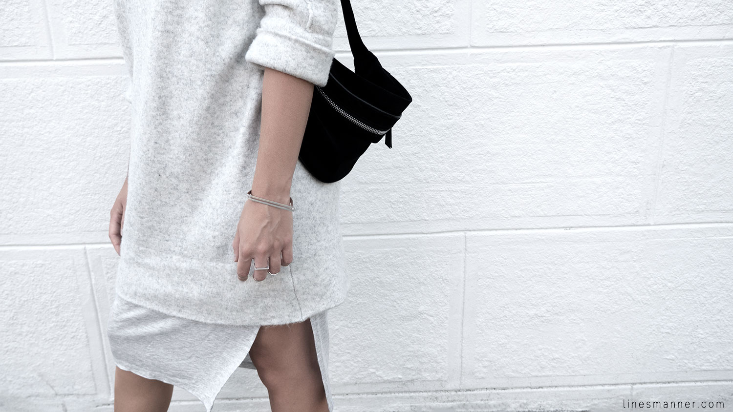 Lines-Manner-Fashion-Collaboration-The_Demeler-Monochrome-Grey_on_Grey-Fresh-Brightly-Outfit-Simplicity-Details-Trend-Minimalist-Flowy-Layering-Sleeves-Sweater_Dress-9