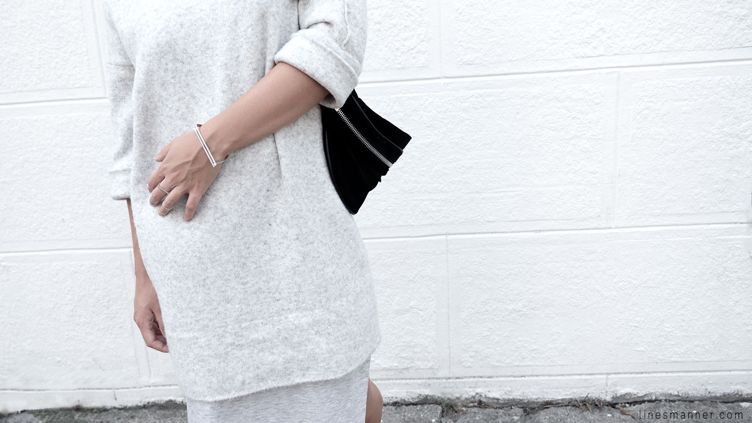 Lines-Manner-Fashion-Collaboration-The_Demeler-Monochrome-Grey_on_Grey-Fresh-Brightly-Outfit-Simplicity-Details-Trend-Minimalist-Flowy-Layering-Sleeves-Sweater_Dress-13