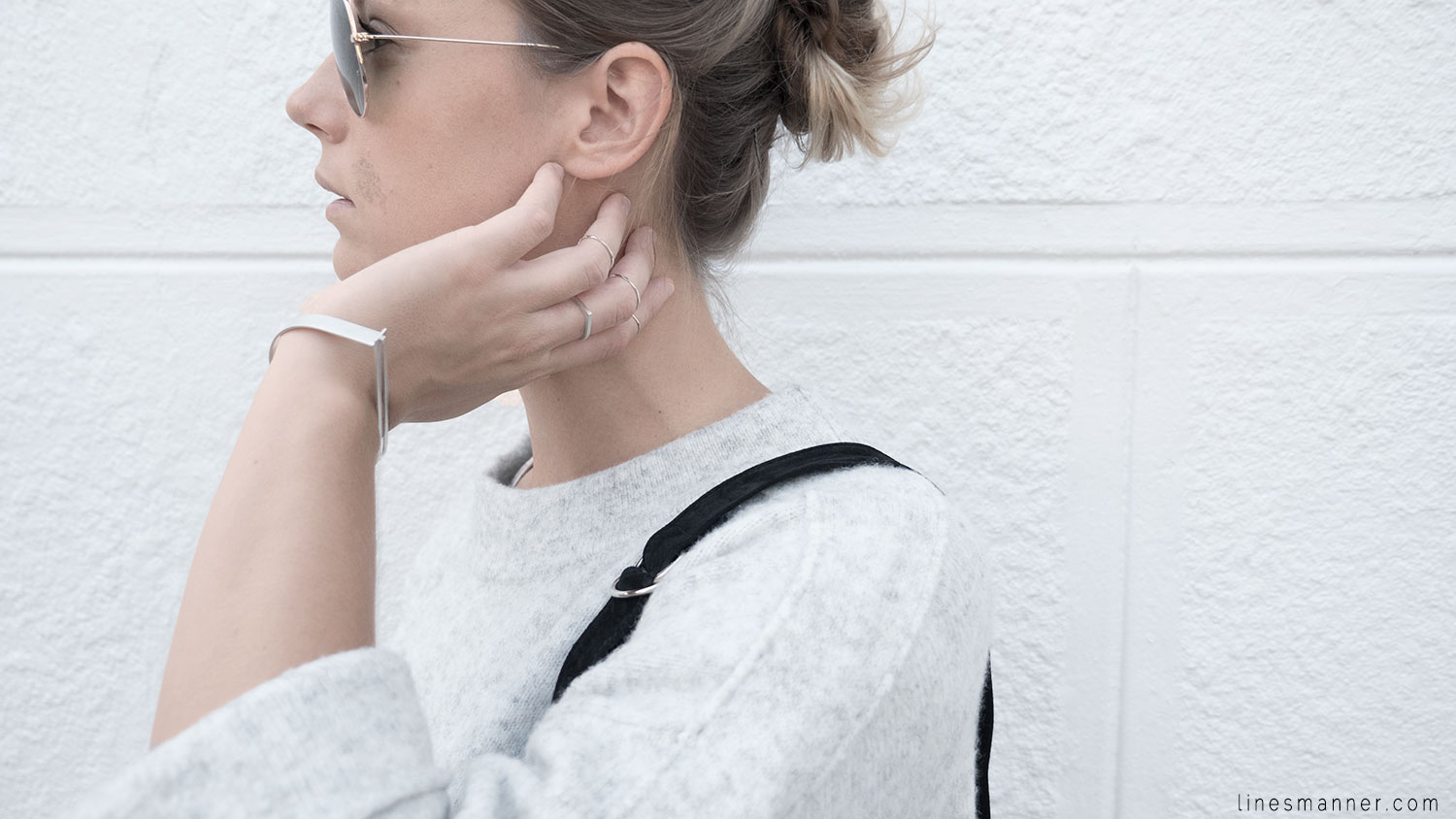 Lines-Manner-Fashion-Collaboration-The_Demeler-Monochrome-Grey_on_Grey-Fresh-Brightly-Outfit-Simplicity-Details-Trend-Minimalist-Flowy-Layering-Sleeves-Sweater_Dress-21