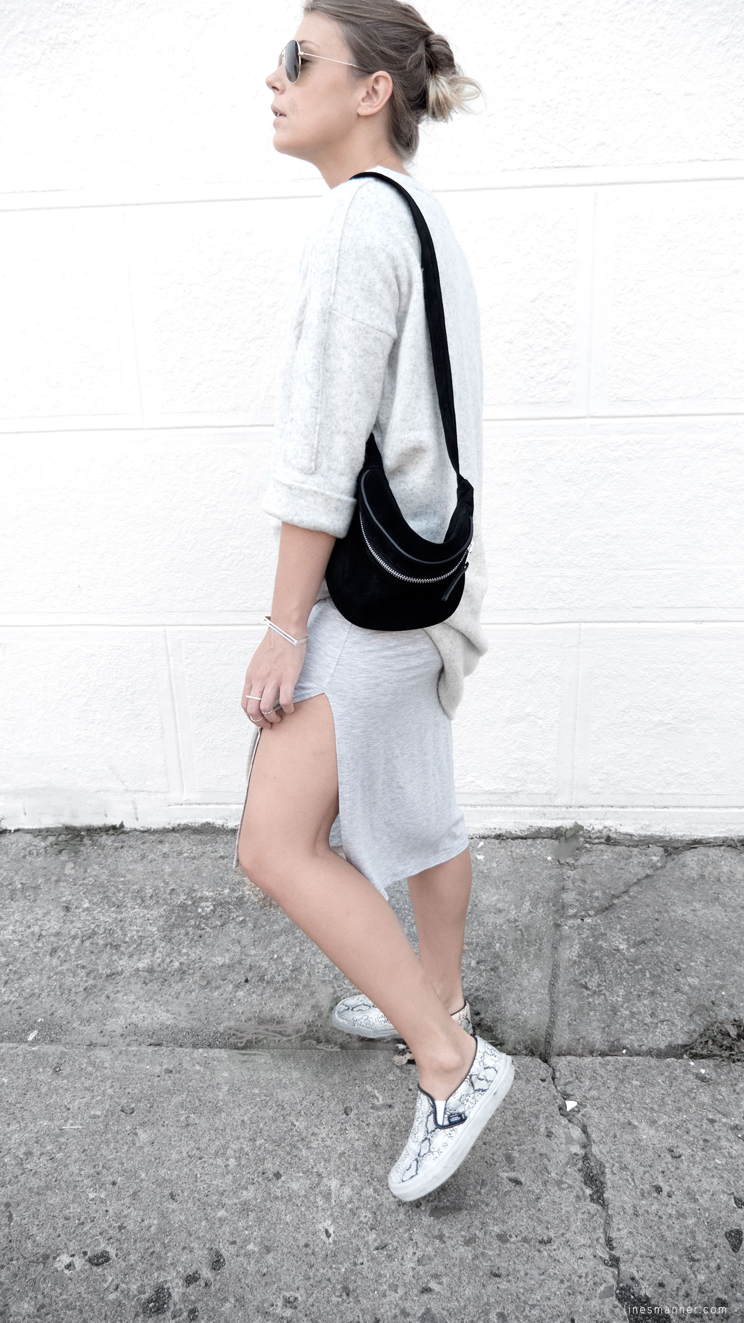 Lines-Manner-Fashion-Collaboration-The_Demeler-Monochrome-Grey_on_Grey-Fresh-Brightly-Outfit-Simplicity-Details-Trend-Minimalist-Flowy-Layering-Sleeves-Sweater_Dress-14