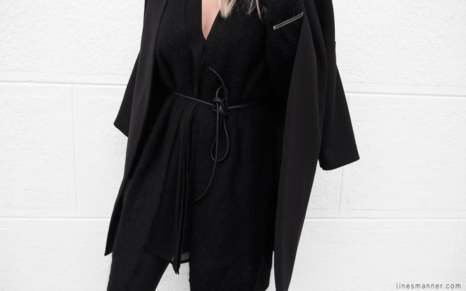 Lines-Manner-Timeless-Comfort-Essentials-Monochrome-Trend-Minimal-Textures-Oversized-Warm-Fall-Leather-Details-Simplicity-Modern-Basics-Outfit-Structure-4