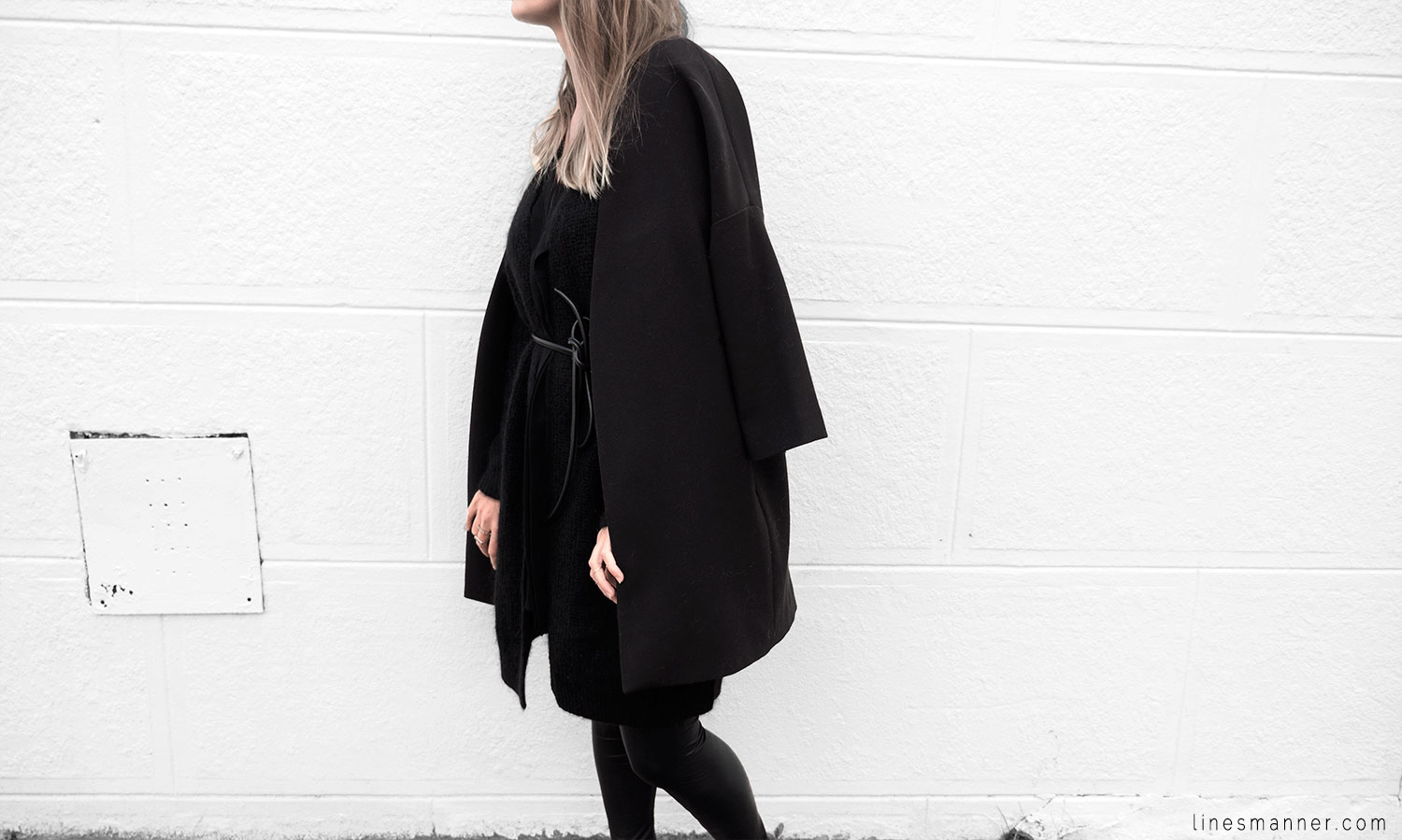 Lines-Manner-Timeless-Comfort-Essentials-Monochrome-Trend-Minimal-Textures-Oversized-Warm-Fall-Leather-Details-Simplicity-Modern-Basics-Outfit-Structure-3