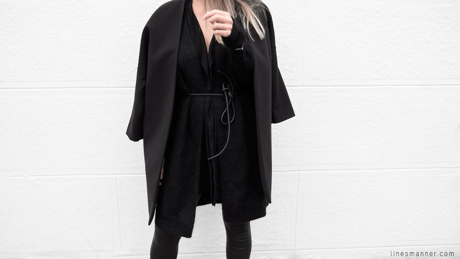 Lines-Manner-Timeless-Comfort-Essentials-Monochrome-Trend-Minimal-Textures-Oversized-Warm-Fall-Leather-Details-Simplicity-Modern-Basics-Outfit-Structure-1