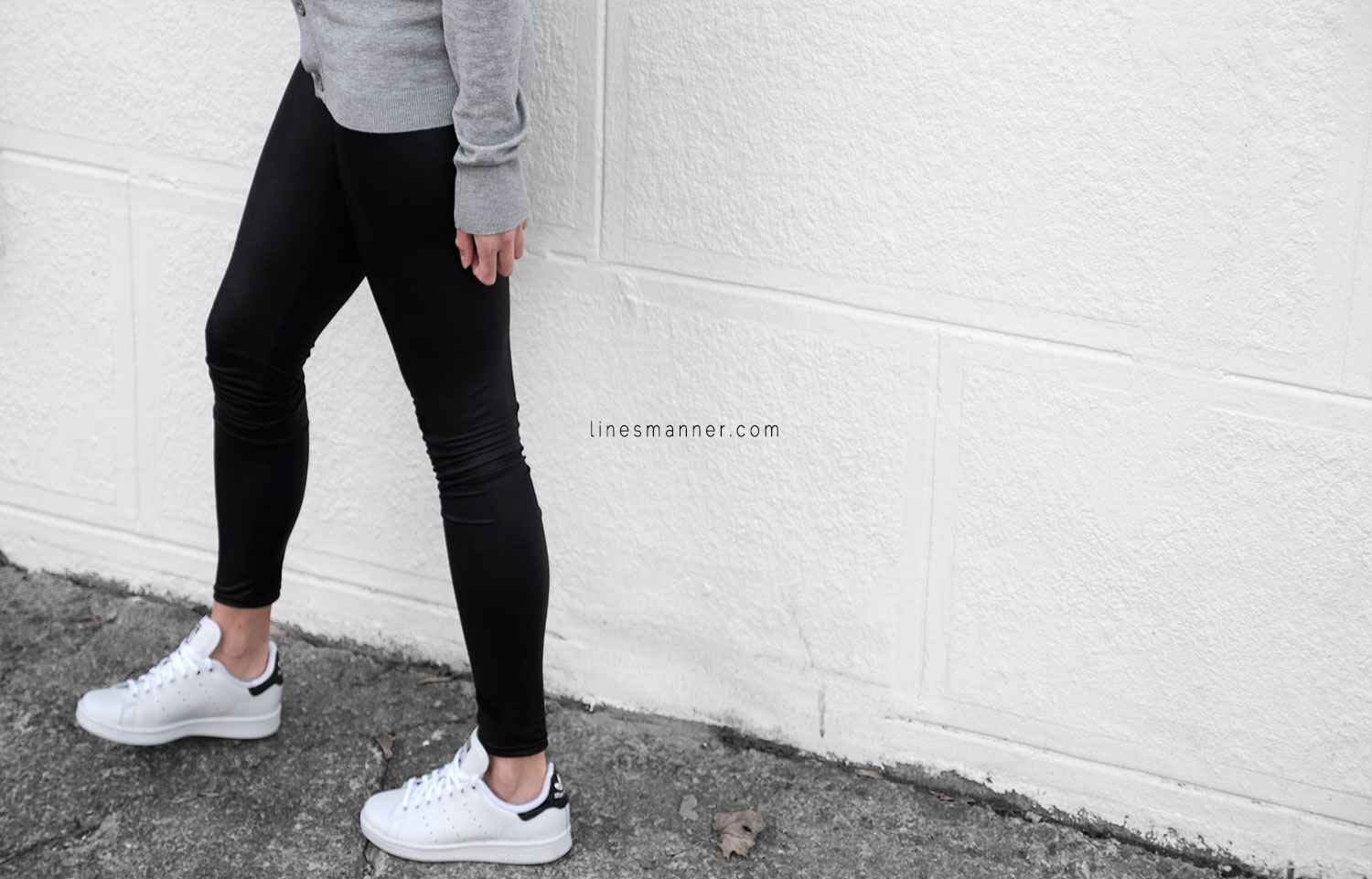 Lines-Manner-Timeless-Comfort-Essentials-Monochrome-Trend-Minimal-Textures-Fall-Details-Simplicity-Cardigan-Reveal-Sneakers-Stan_Smith-Adidas-Basics-Outfit-3