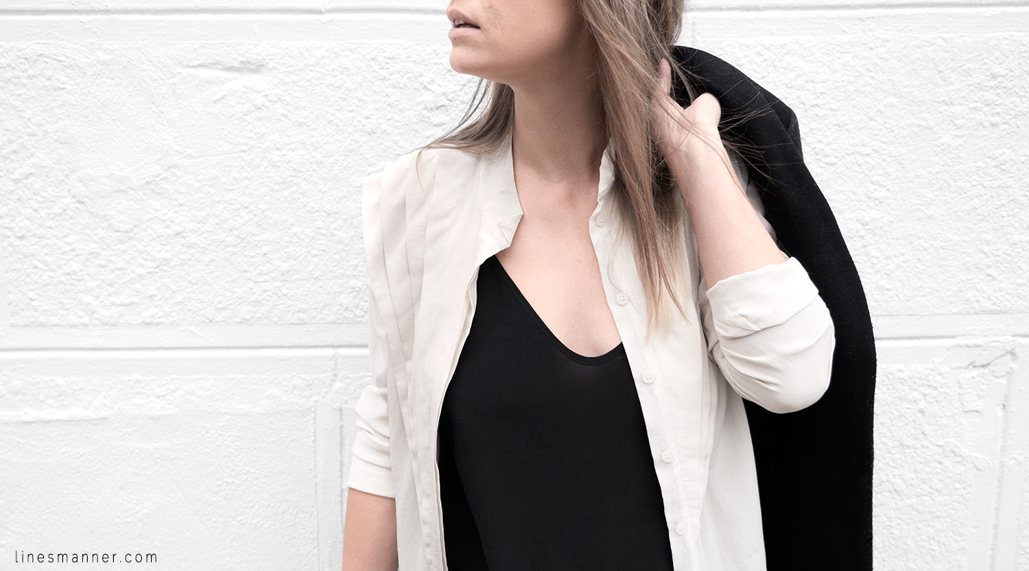 Lines-Manner-Timeless-Comfort-Essentials-Monochrome-Trend-Minimal-Textures-Fall-Leather-Details-Simplicity-Modern-Basics-Outfit-Structure-Relaxed-Leather-Luxurious-Sophistication-11