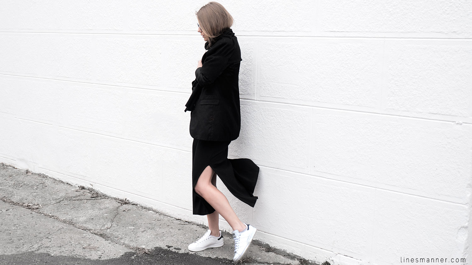 Lines-Manner-Black-Relaxed-Tone_on_Tone-Monochrome-Minimal-Sophistication-Comfort-Modern-Simplicity-Casual-Sporty_Luxe-Slit_Dress-Thrid_Form-Blazer-Essentials-Details-Basics-Timeless-Verstatile-Staple-Wardrobe-Sleek-Clean_Lines-All_Black_Everything-4