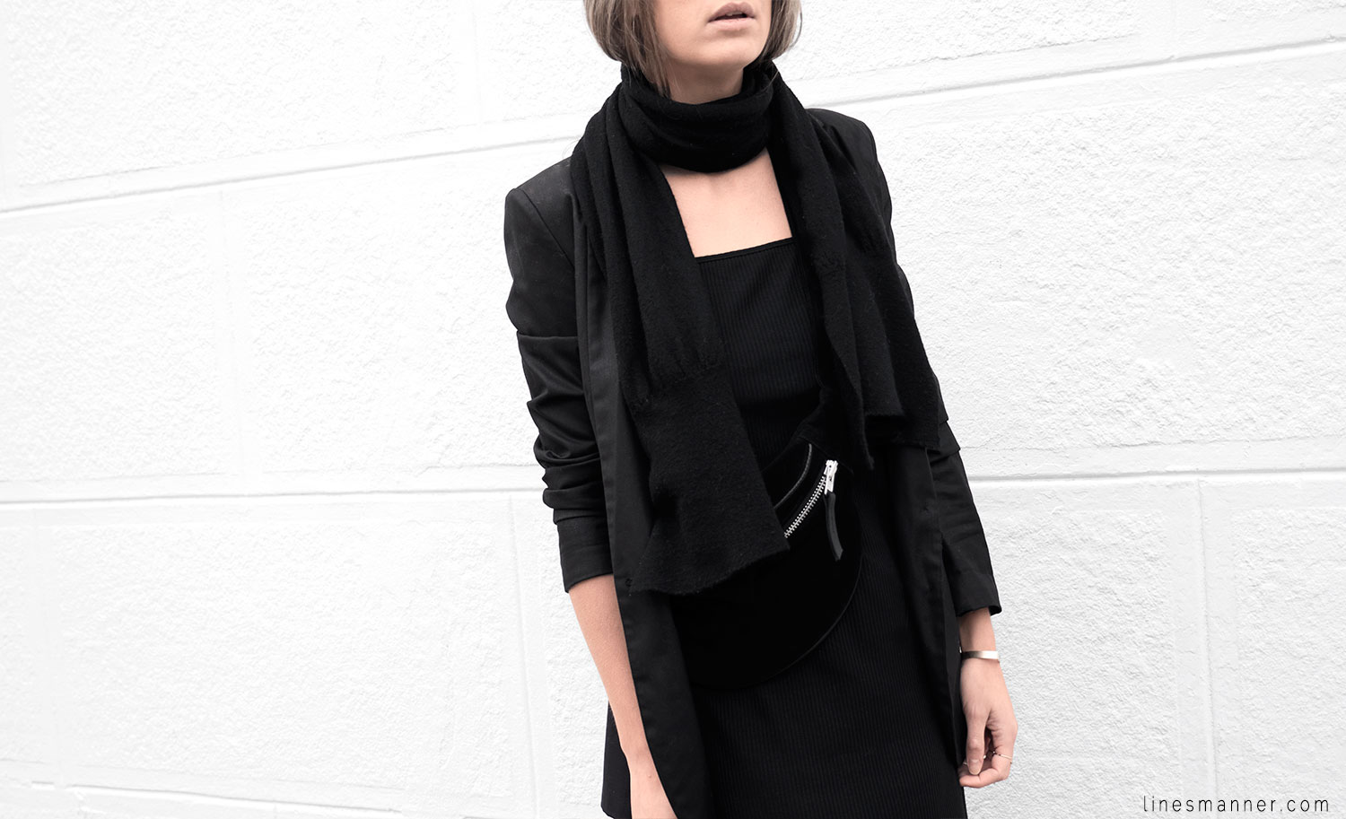 Lines-Manner-Black-Relaxed-Tone_on_Tone-Monochrome-Minimal-Sophistication-Comfort-Modern-Simplicity-Casual-Sporty_Luxe-Slit_Dress-Thrid_Form-Blazer-Essentials-Details-Basics-Timeless-Verstatile-Staple-Wardrobe-Sleek-Clean_Lines-All_Black_Everything-3