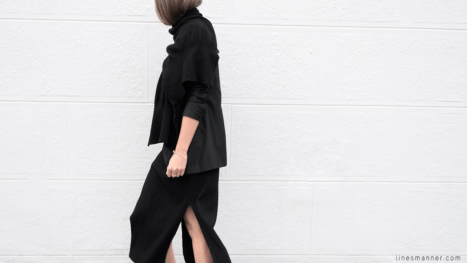Lines-Manner-Black-Relaxed-Tone_on_Tone-Monochrome-Minimal-Sophistication-Comfort-Modern-Simplicity-Casual-Sporty_Luxe-Slit_Dress-Thrid_Form-Blazer-Essentials-Details-Basics-Timeless-Verstatile-Staple-Wardrobe-Sleek-Clean_Lines-All_Black_Everything-14