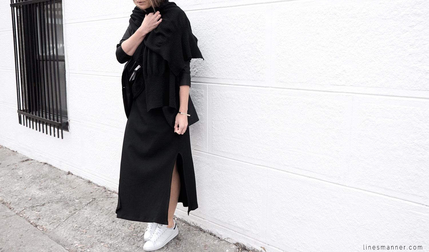 Lines-Manner-Black-Relaxed-Tone_on_Tone-Monochrome-Minimal-Sophistication-Comfort-Modern-Simplicity-Casual-Sporty_Luxe-Slit_Dress-Thrid_Form-Blazer-Essentials-Details-Basics-Timeless-Verstatile-Staple-Wardrobe-Sleek-Clean_Lines-All_Black_Everything-8