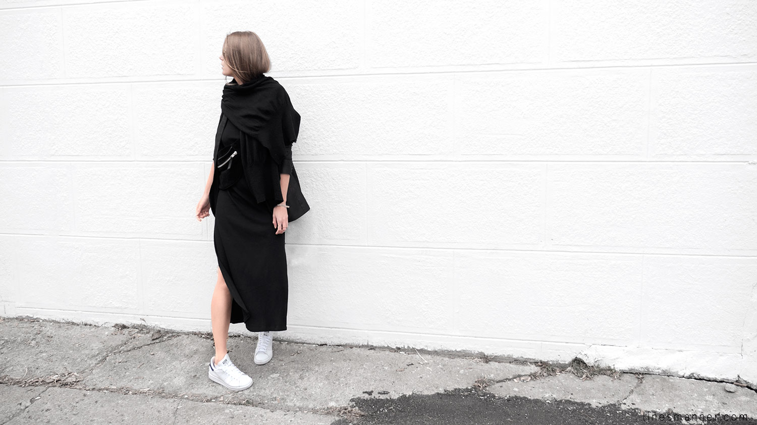 Lines-Manner-Black-Relaxed-Tone_on_Tone-Monochrome-Minimal-Sophistication-Comfort-Modern-Simplicity-Casual-Sporty_Luxe-Slit_Dress-Thrid_Form-Blazer-Essentials-Details-Basics-Timeless-Verstatile-Staple-Wardrobe-Sleek-Clean_Lines-All_Black_Everything-10