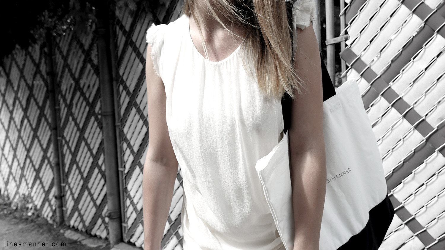 Lines-Manner-Remind-2015-Minimal-Essential-Outfit-Inspiration-Blog-Timeless-Year-Seasons-Details-Travel-Fashion-Versatile-Clean-Sleek-Quality-57