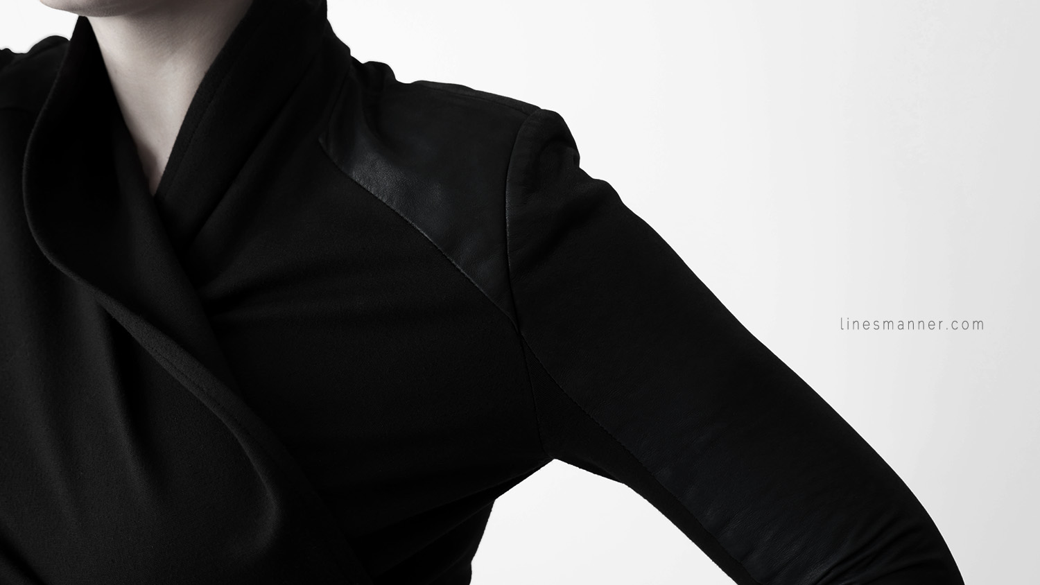 Lines-Manner-Remind-2015-Minimal-Essential-Outfit-Inspiration-Blog-Timeless-Year-Seasons-Details-Travel-Fashion-Versatile-Clean-Sleek-Quality-39