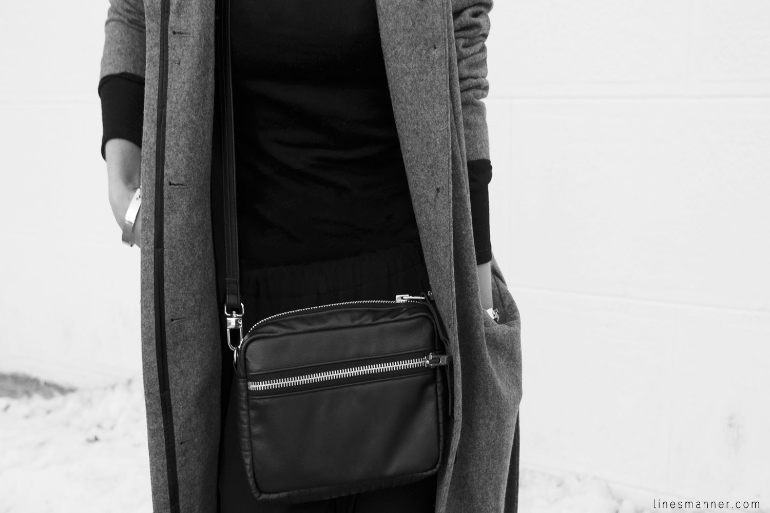 Lines-Manner-Simplicity-Neutral-Palette-Functional-Versatile-Timeless-Grey-Winter_Coat-Details-Essentials-Minimal-Basics-4
