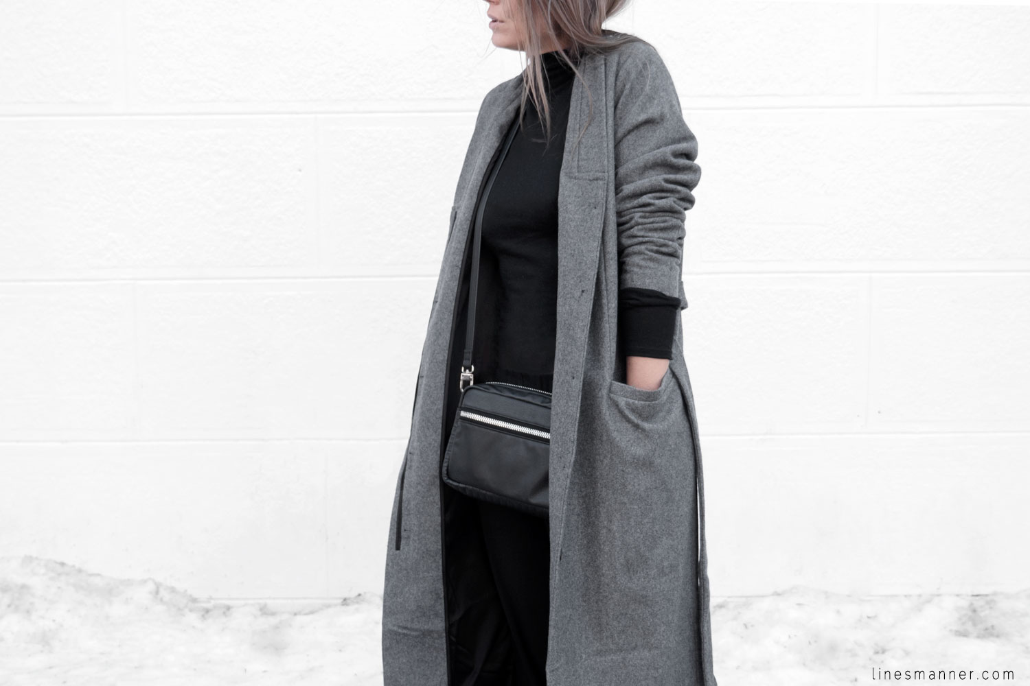 Lines-Manner-Simplicity-Neutral-Palette-Functional-Versatile-Timeless-Grey-Winter_Coat-Details-Essentials-Minimal-Basics-2