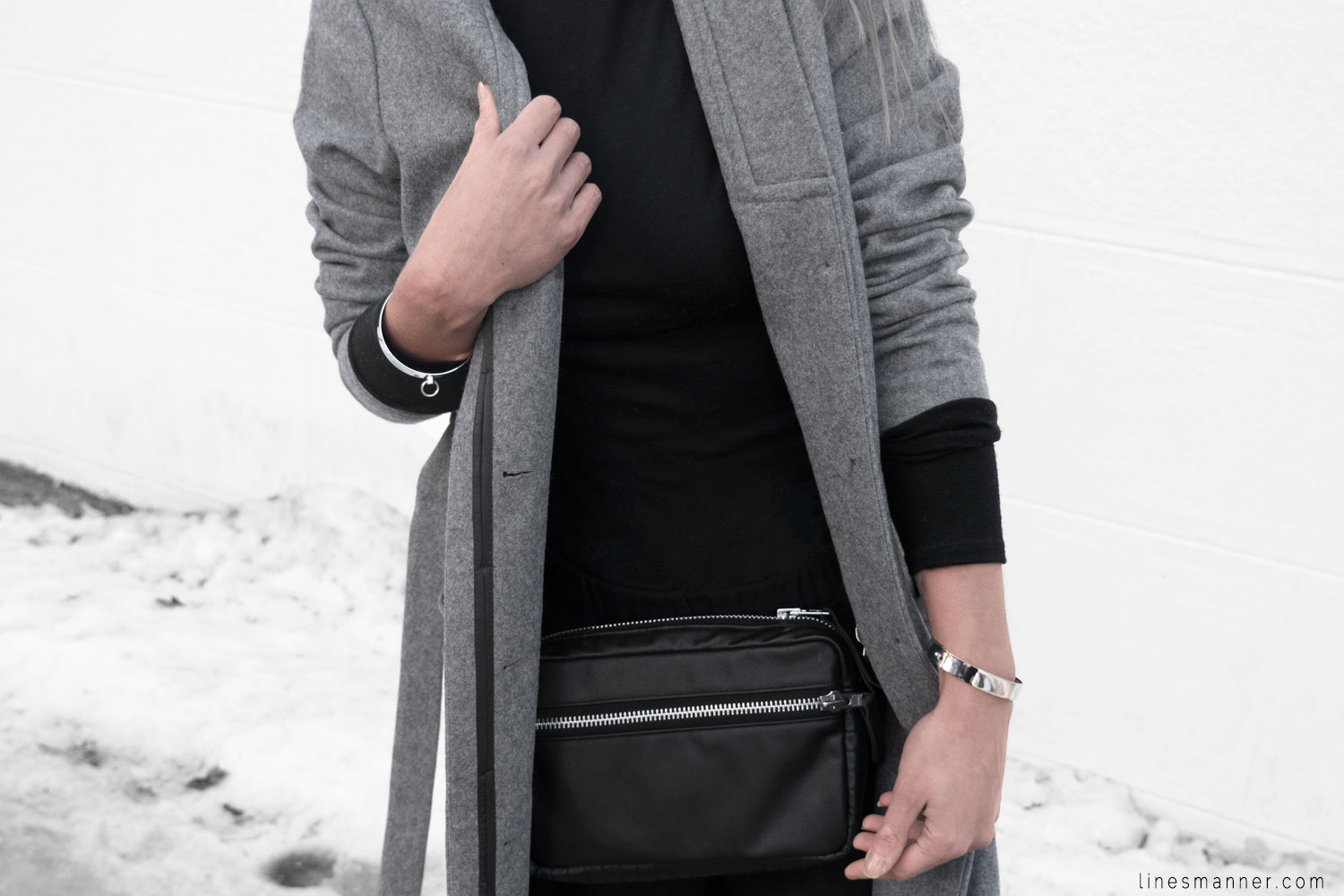 Lines-Manner-Simplicity-Neutral-Palette-Functional-Versatile-Timeless-Grey-Winter_Coat-Details-Essentials-Minimal-Basics-9