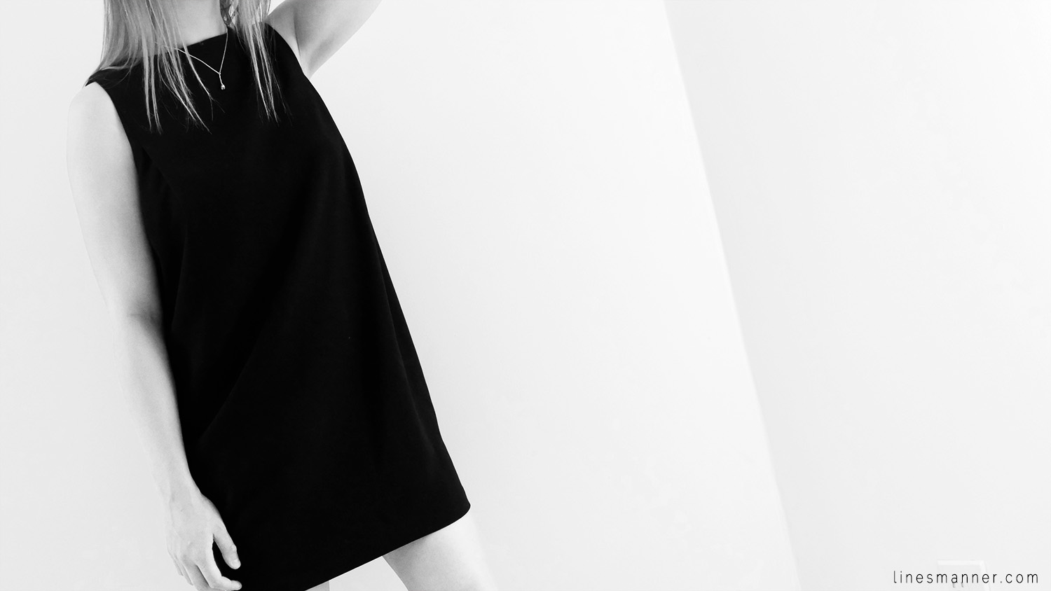 Lines-Manner-Remind-2015-Minimal-Essential-Outfit-Inspiration-Blog-Timeless-Year-Seasons-Details-Travel-Fashion-Versatile-Clean-Sleek-Quality-24