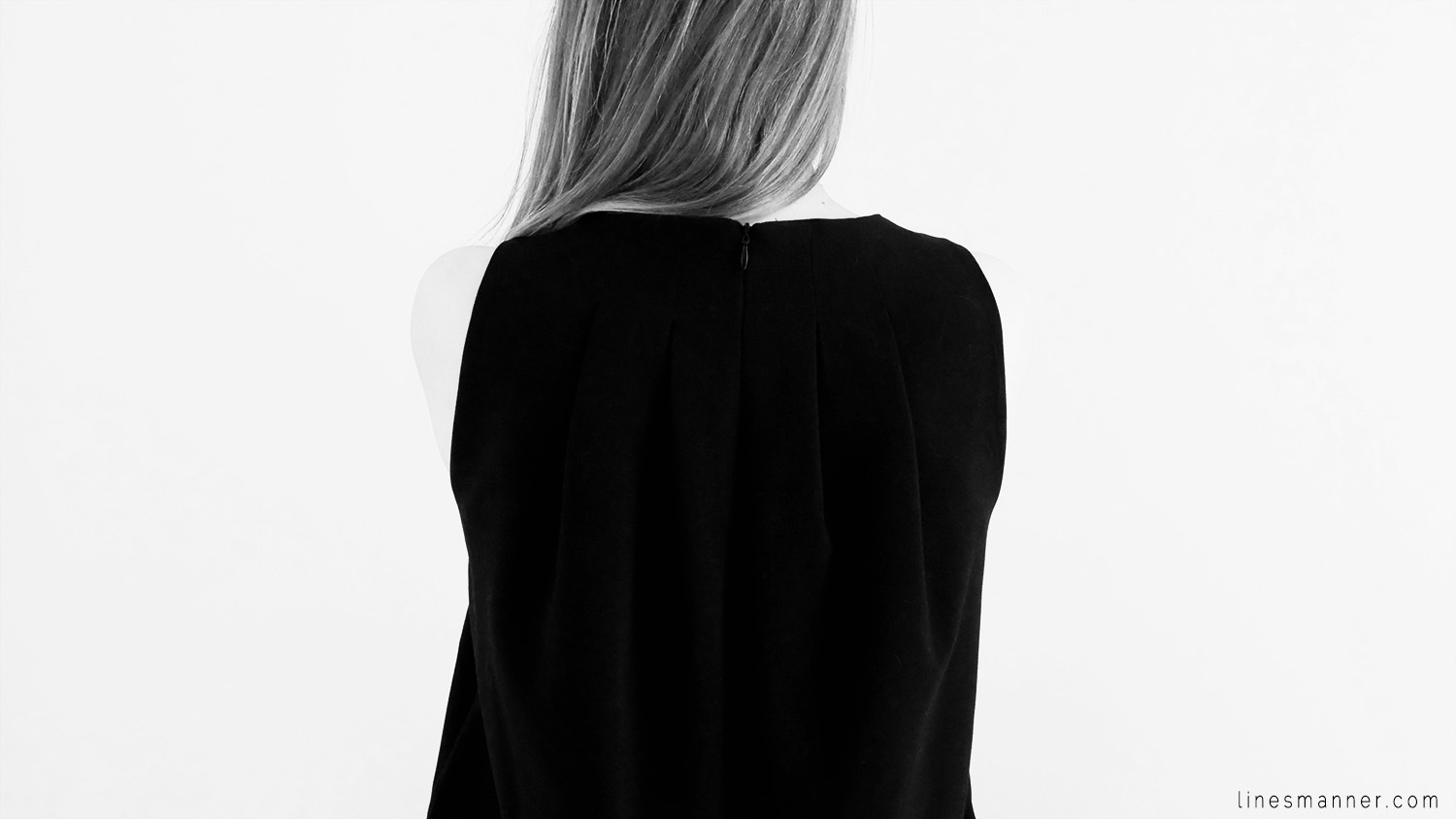 Lines-Manner-Remind-2015-Minimal-Essential-Outfit-Inspiration-Blog-Timeless-Year-Seasons-Details-Travel-Fashion-Versatile-Clean-Sleek-Quality-55