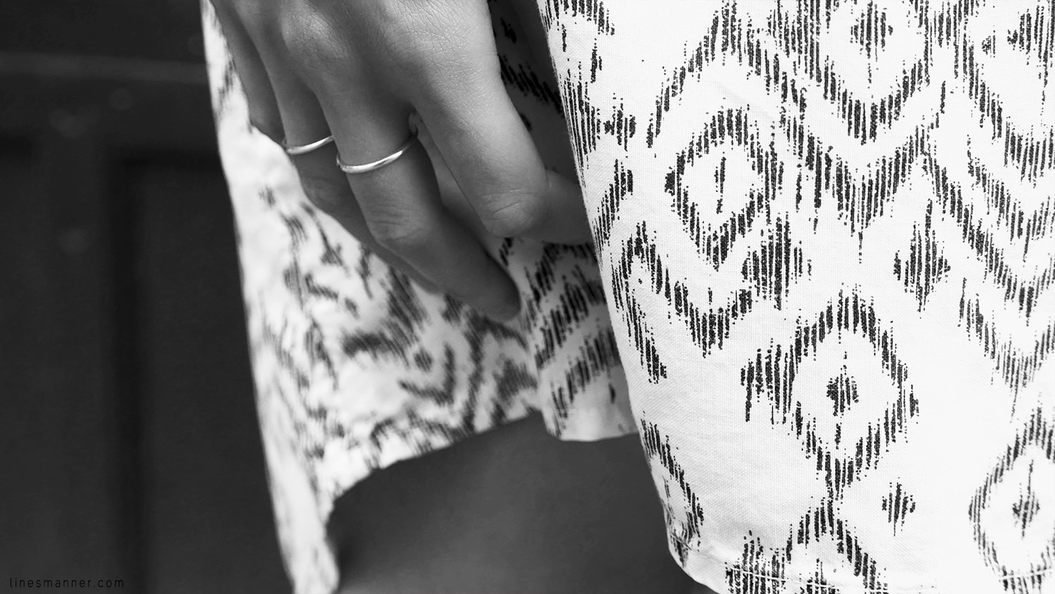 Lines-Manner-Remind-2015-Minimal-Essential-Outfit-Inspiration-Blog-Timeless-Year-Seasons-Details-Travel-Fashion-Versatile-Clean-Sleek-Quality-36