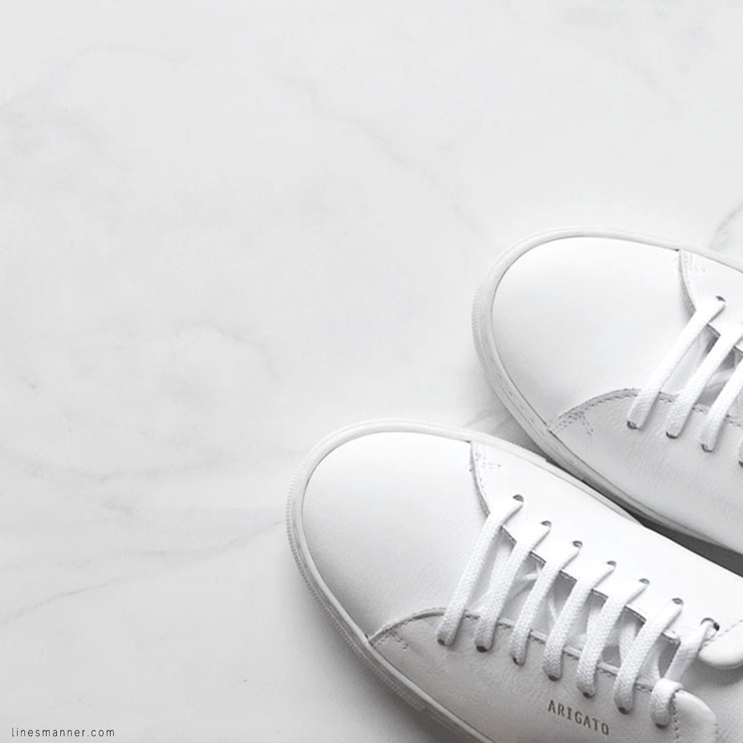 Lines-Manner-Minimal-Axel_Arigato-Sneakers-White-Essentials-Comfort-Luxe-Sporty-Edgy-Timeless-4