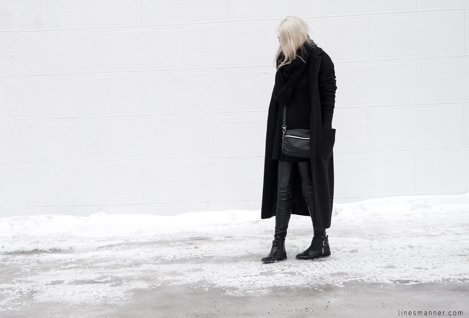 Lines-Manner-All_black_everything-monochrome-essentials-oversize-fit-textures-minimal-details-basics-staples-kayering-bundled-enveloped-silver-leather-9