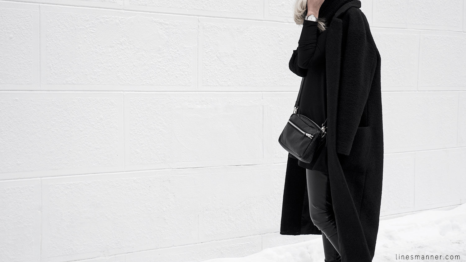 Lines-Manner-All_black_everything-monochrome-essentials-oversize-fit-textures-minimal-details-basics-staples-kayering-bundled-enveloped-silver-leather-21