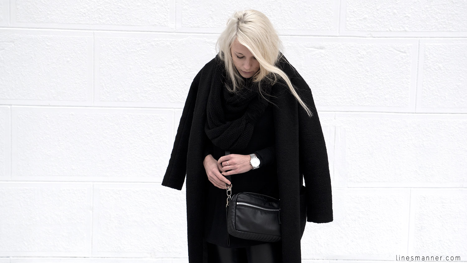 Lines-Manner-All_black_everything-monochrome-essentials-oversize-fit-textures-minimal-details-basics-staples-kayering-bundled-enveloped-silver-leather-2