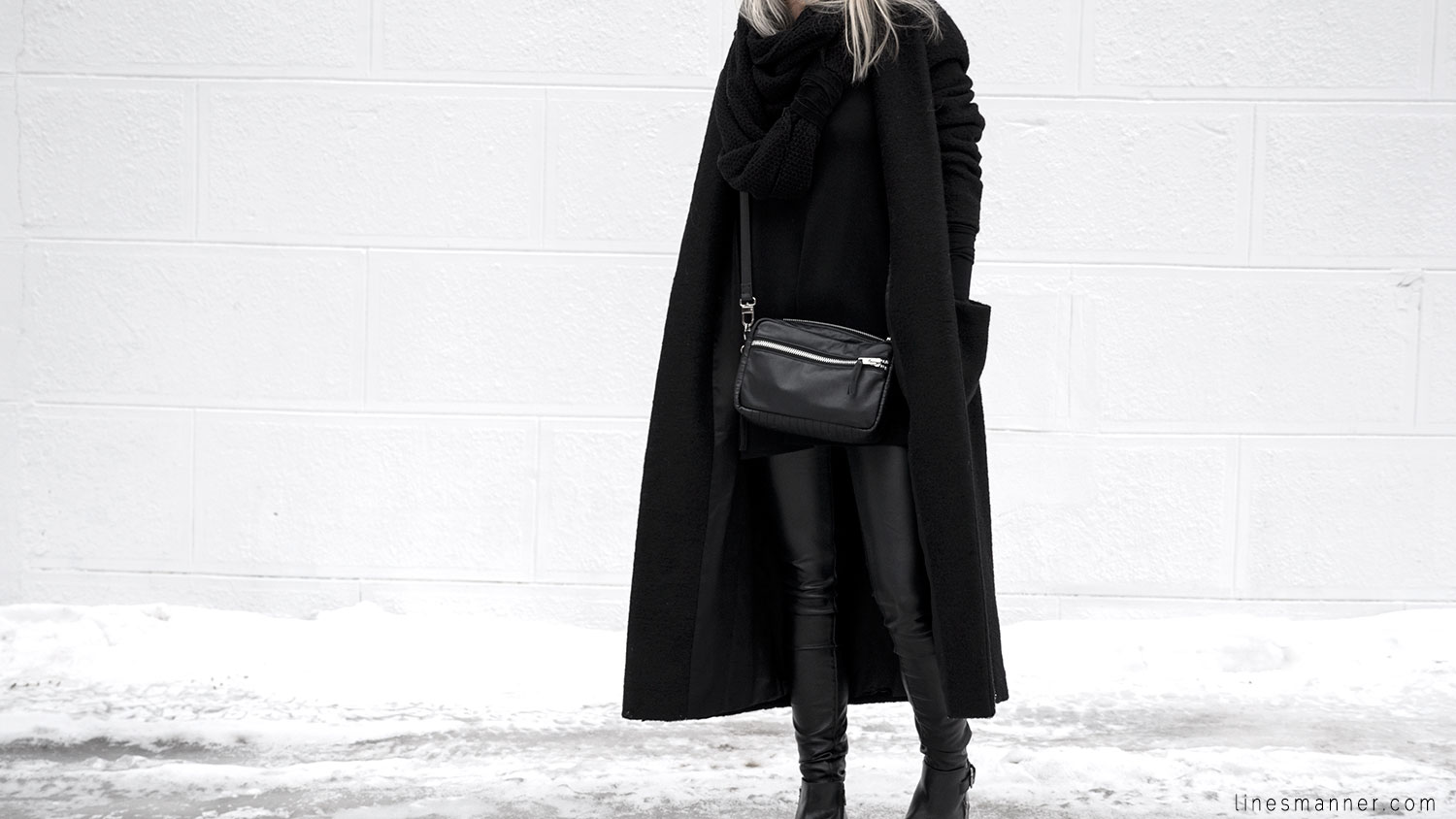 Lines-Manner-All_black_everything-monochrome-essentials-oversize-fit-textures-minimal-details-basics-staples-kayering-bundled-enveloped-silver-leather-1