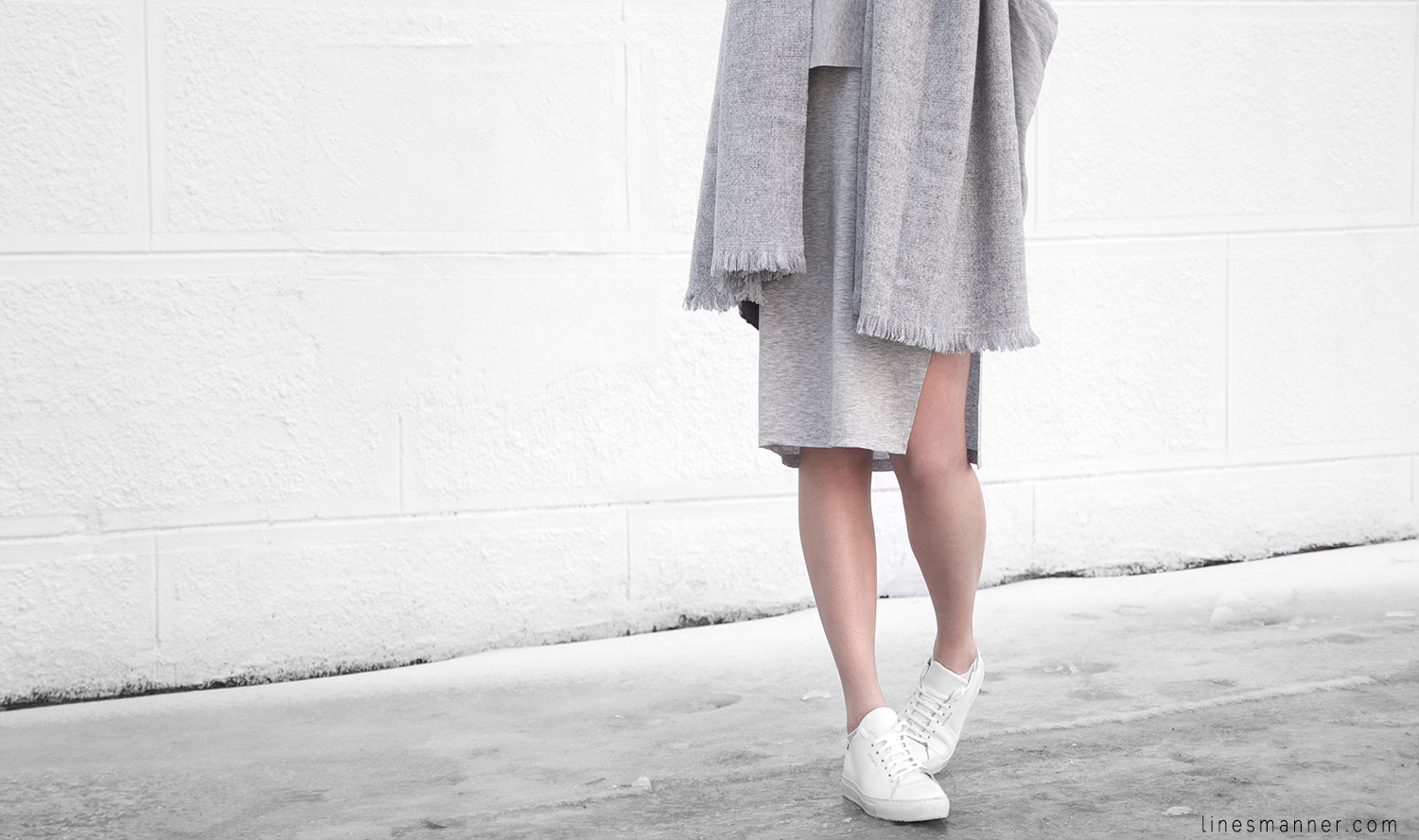 Lines-Manner-Outfit-Grey_on_grey-All_grey-Simplicty-Relaxed-Casual-Textures-Essential-Details-Staples-Minimal-Knit-Cardigan-Coisa-Layering-4
