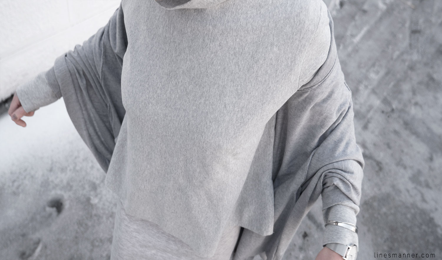 Lines-Manner-Outfit-Grey_on_grey-All_grey-Simplicty-Relaxed-Casual-Textures-Essential-Details-Staples-Minimal-Knit-Cardigan-Coisa-Layering-9
