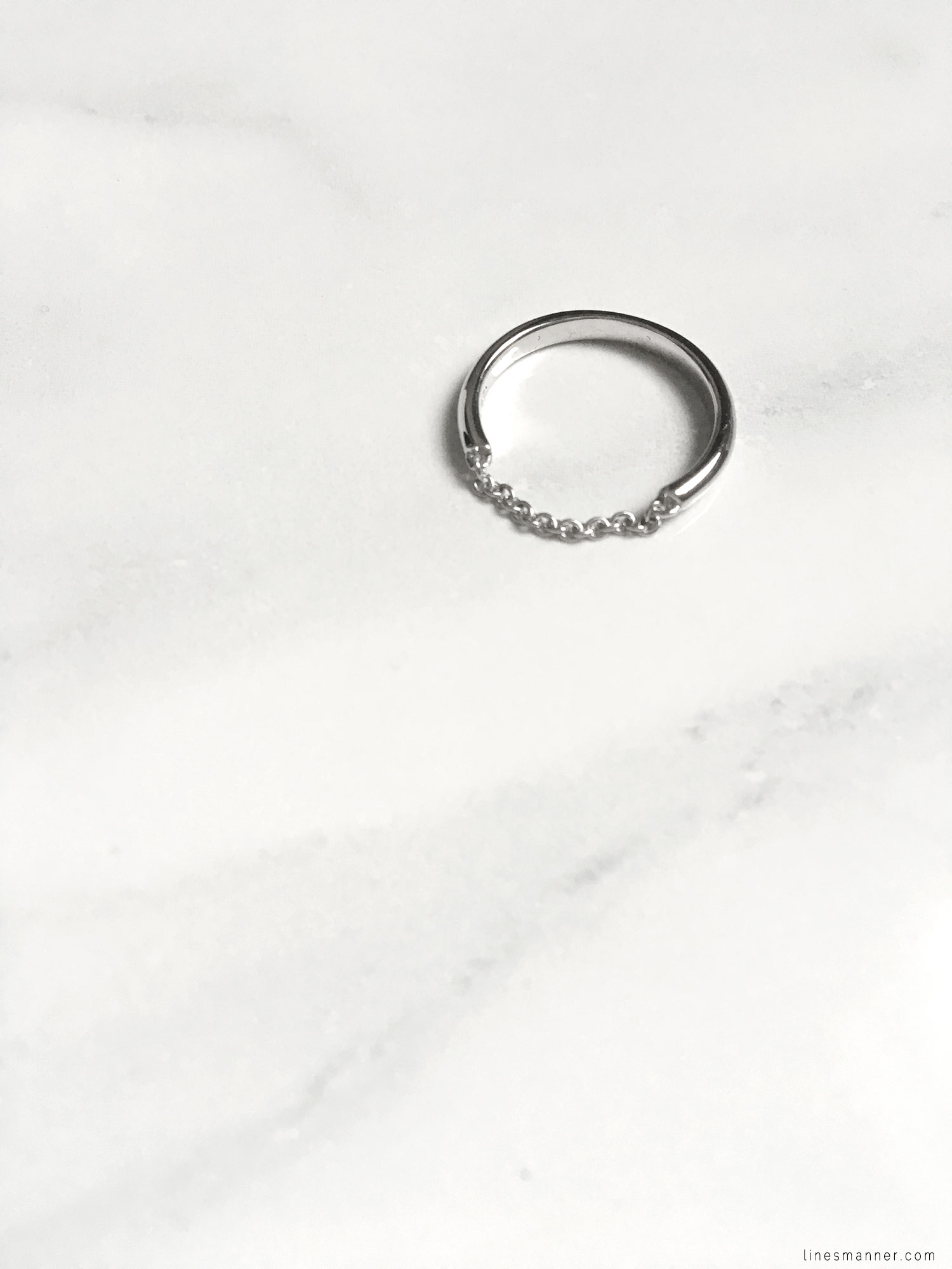 Lines-Manner-Details-Mejuri-Marble-Essentials-Minimal-Jewellery-Silver-Ring-Delicate-Monochrome-Simplicity-3