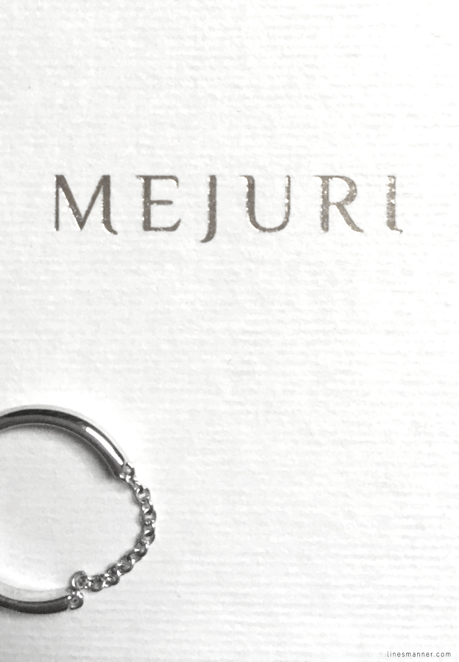 Lines-Manner-Details-Mejuri-Marble-Essentials-Minimal-Jewellery-Silver-Ring-Delicate-Monochrome-Simplicity-5
