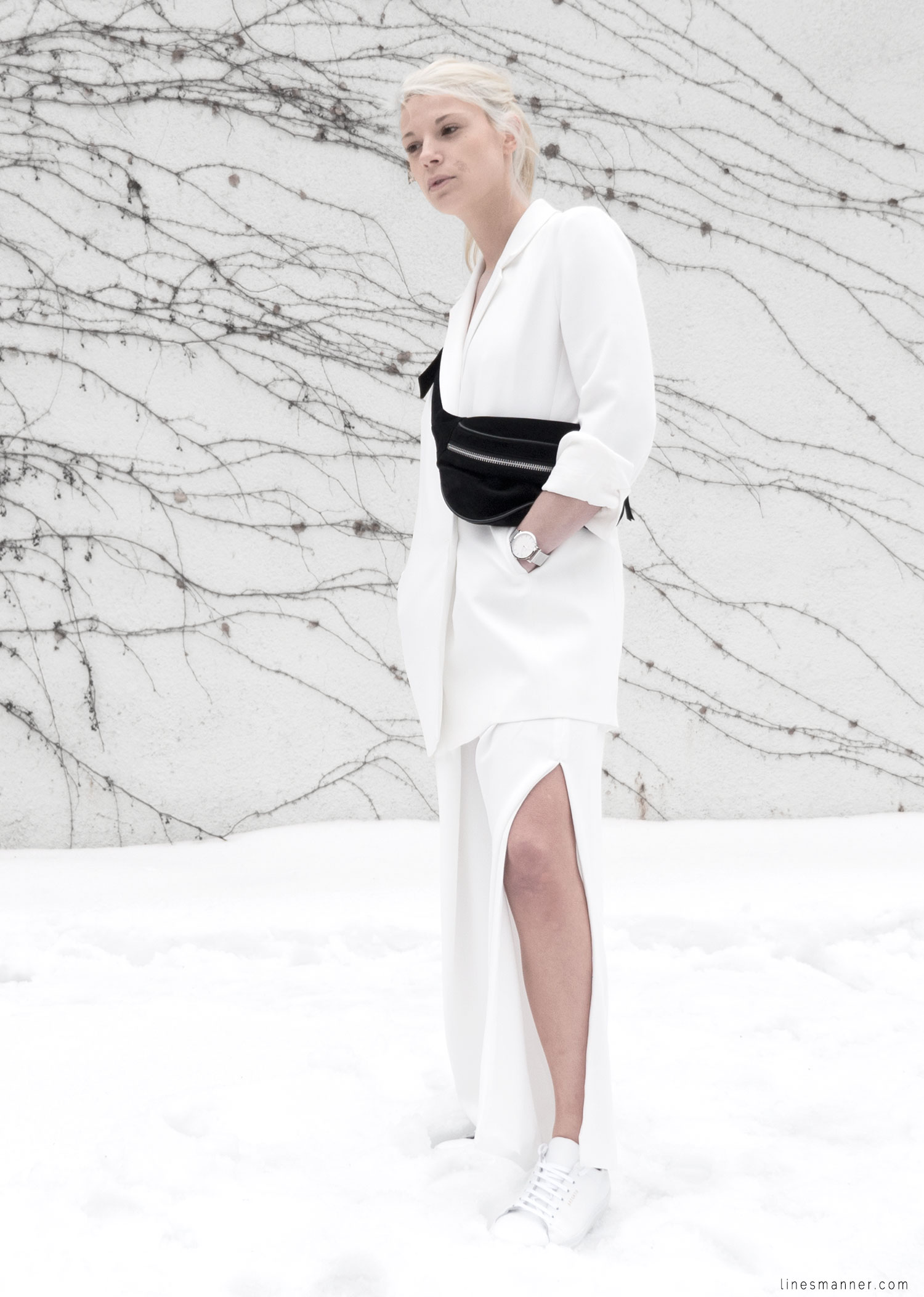 Lines-Manner-White_on_White-All_white-relaxed-shapes-tailored-blazer-pantsuit-clean-details-staples-essentials-sleek-LXE-box bag-light-fresh-slouchy-9