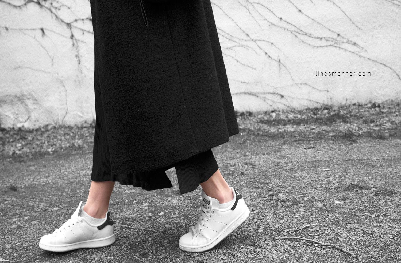 All_black_everything-monochrome-essentials-oversize-fit-textures-minimal-details-basics-staples-layering-feminine-masculine-6