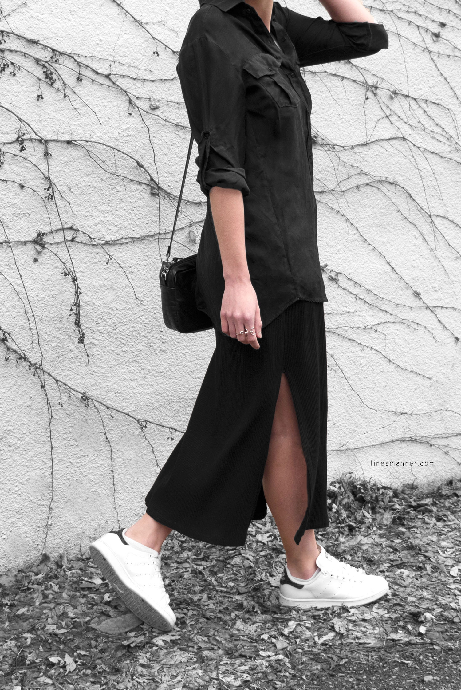 All_black_everything-monochrome-essentials-oversize-fit-textures-minimal-details-basics-staples-layering-feminine-masculine-4