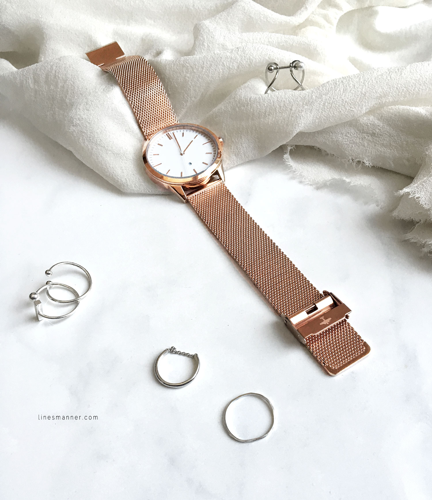 Lines-Manner-Rose_Gold-Under_The_Sun-Details-Essentials-Delicate-Minimal-Watch-Elegant-Effortless-5