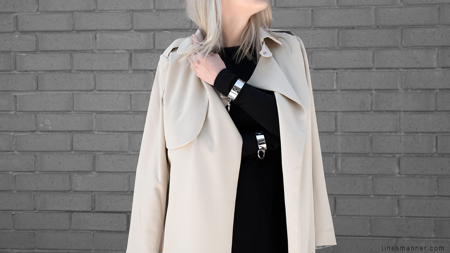 Lines-Manner-Trench-Minimal-Outfits-Fashion-Essentials-Classics-Timeless-Versatile-Details-Hues-Nonchalance-Elegance-Casual-Effortless-14