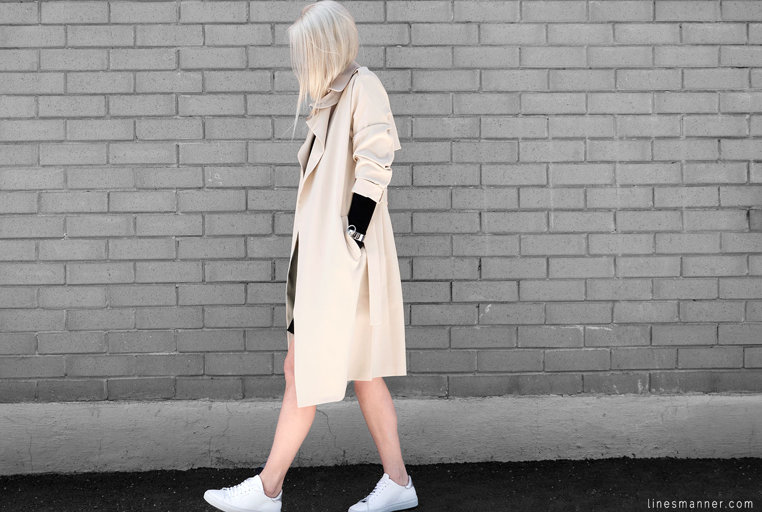 Lines-Manner-Trench-Minimal-Outfits-Fashion-Essentials-Classics-Timeless-Versatile-Details-Hues-Nonchalance-Elegance-Casual-Effortless-2
