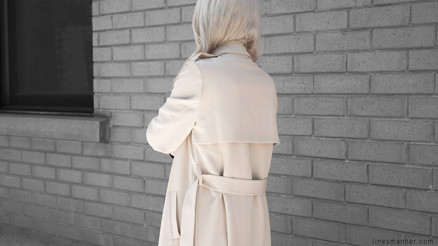 Lines-Manner-Trench-Minimal-Outfits-Fashion-Essentials-Classics-Timeless-Versatile-Details-Hues-Nonchalance-Elegance-Casual-Effortless-1
