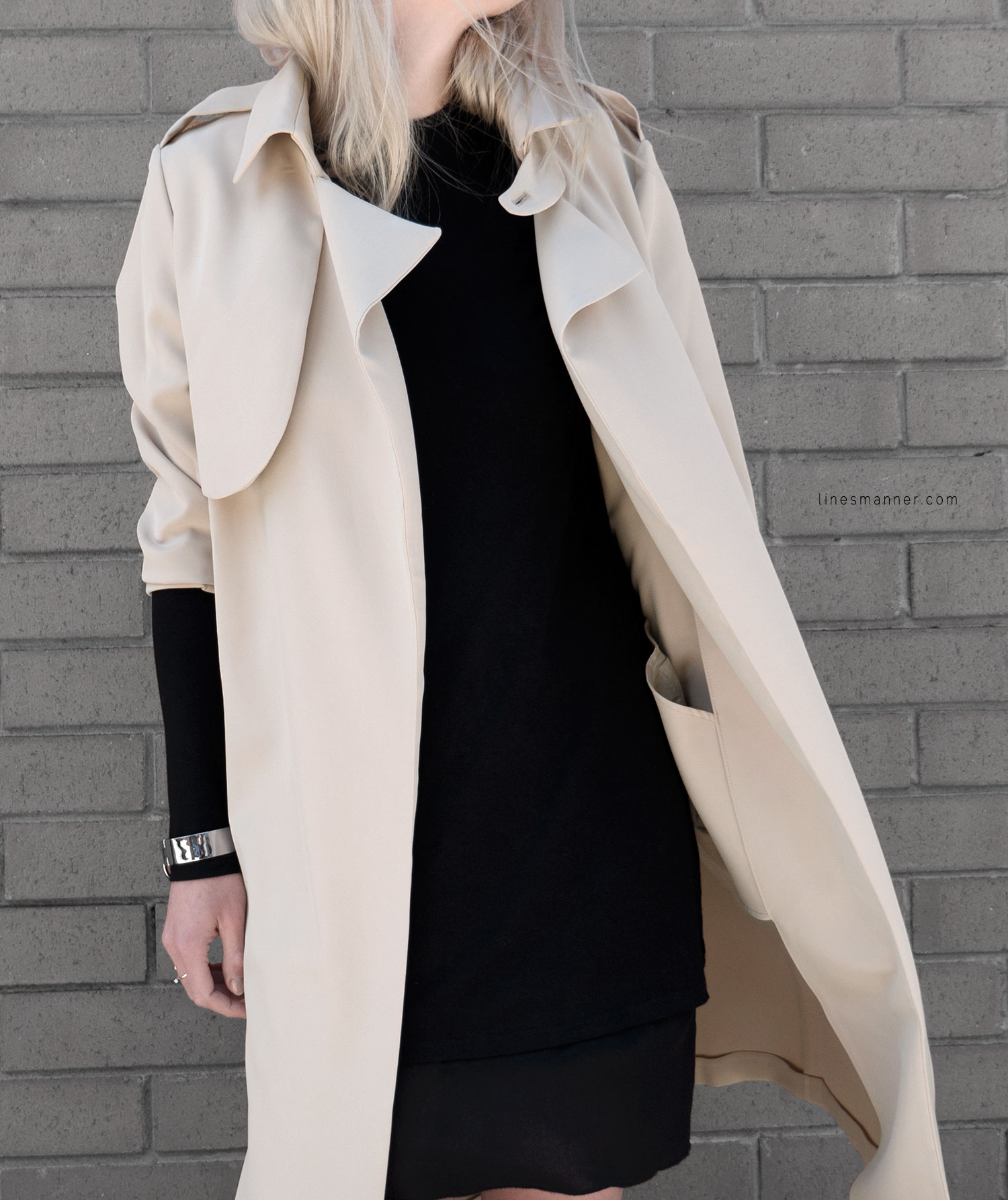 Lines-Manner-Trench-Minimal-Outfits-Fashion-Essentials-Classics-Timeless-Versatile-Details-Hues-Nonchalance-Elegance-Casual-Effortless-7