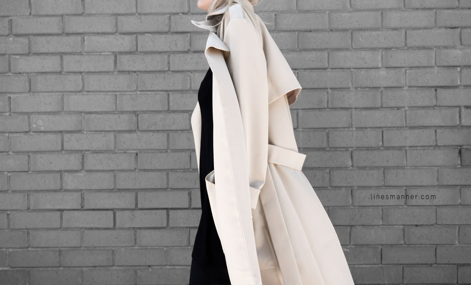 Lines-Manner-Trench-Minimal-Outfits-Fashion-Essentials-Classics-Timeless-Versatile-Details-Hues-Nonchalance-Elegance-Casual-Effortless-9