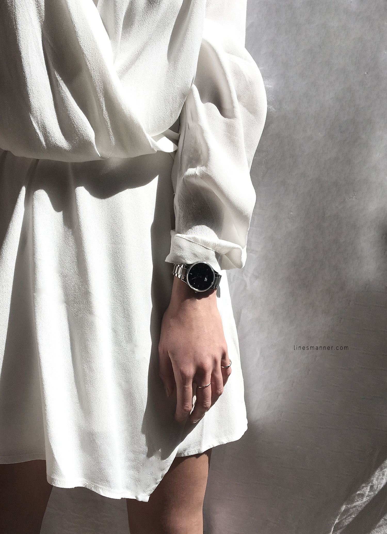 Lines-Manner-Bright-Whiteout-Essentials-Slouchy-Fresh-Clean-All_White-Details-Minimal-Outfit-Dress-Thridorm-A_Weathered_Penny_Nicole_Vienna-Simplicity-2