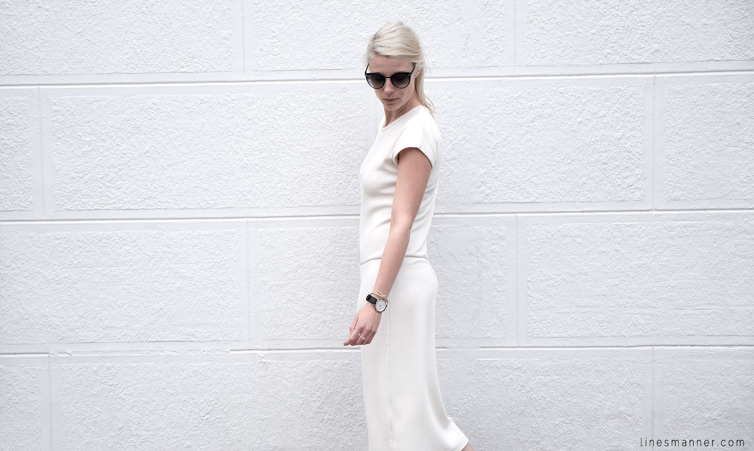 Lines-Manner-Whiteout-Fashion-Outfit-White-Bright-Simplicity-Elegance-Effortless-Anecdote-Degree_Seven-Quality-Summer-Minimal-Essential-Modern-Sleek-Details-8